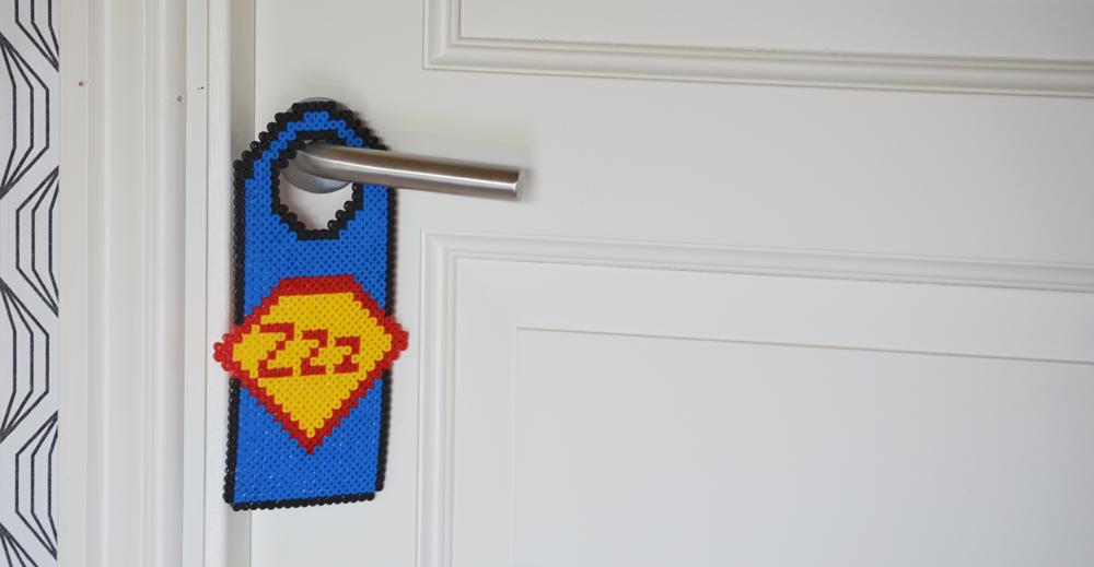 pärlad dörrhängare