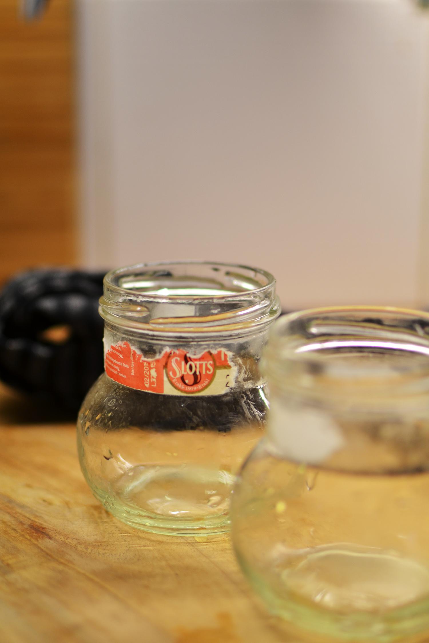 ta bort etikett från glasburk